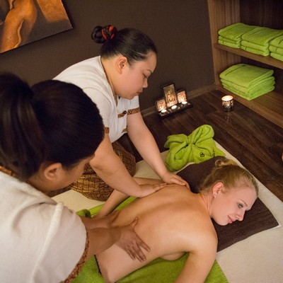 Four-hand Massage (two masseuses)