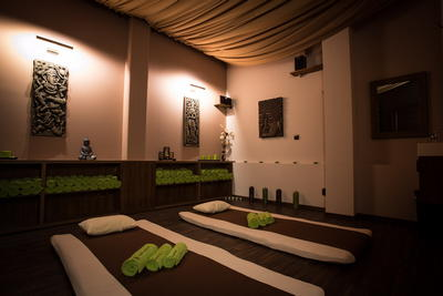 Larger massage room